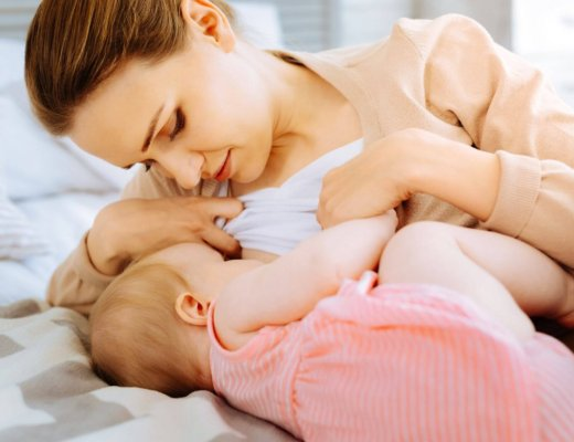 new mom breastfeeding infant